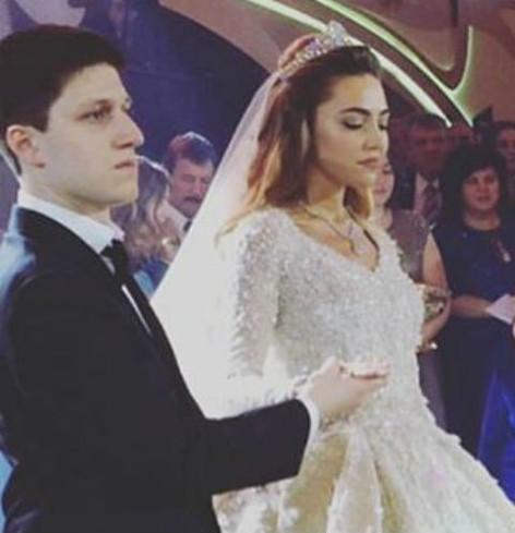 Саид Гуцериев и его молодая жена Хадижа