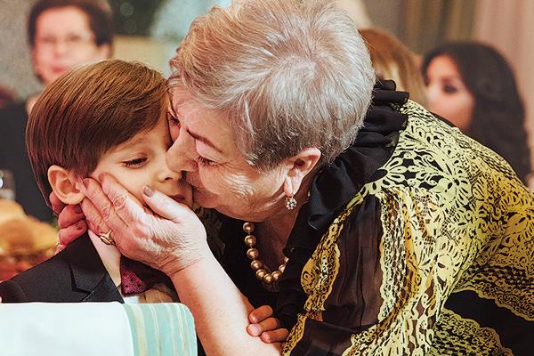 Внук Ваня часто приезжает в гости к бабушке в Сочи