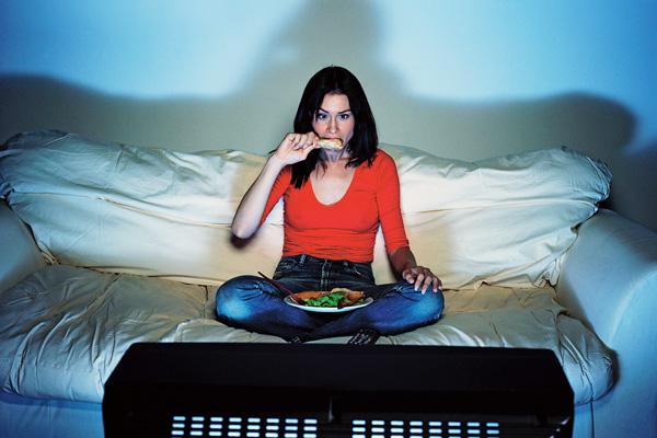 Откажись от привычки ужинать под сериалы