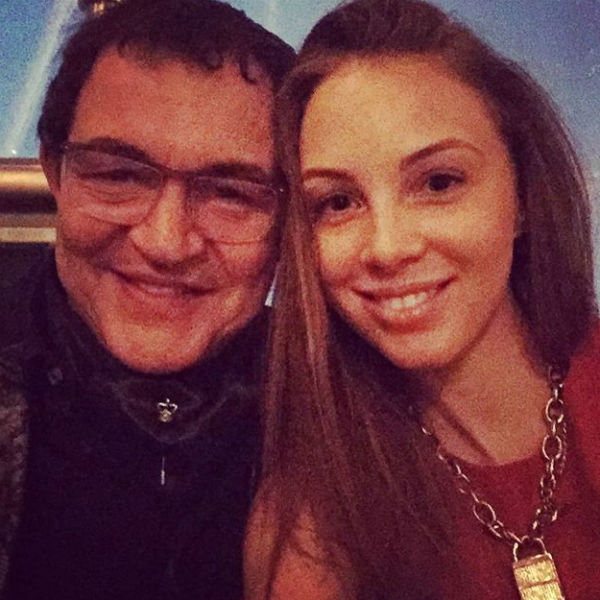 Дмитрий со своей женой считаются образцовыми родителями