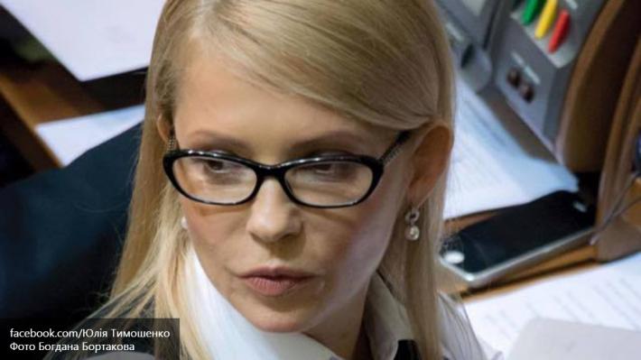 Тимошенко: Яценюк не собирается уходить в отставку