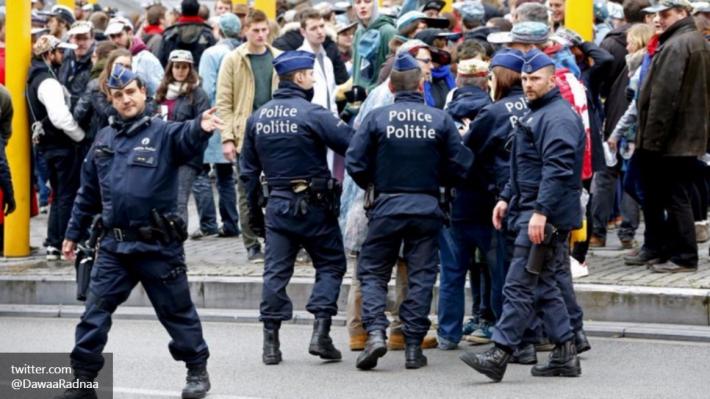 Полиция будет проверять аэропорты, вокзалы и метро в Бельгии