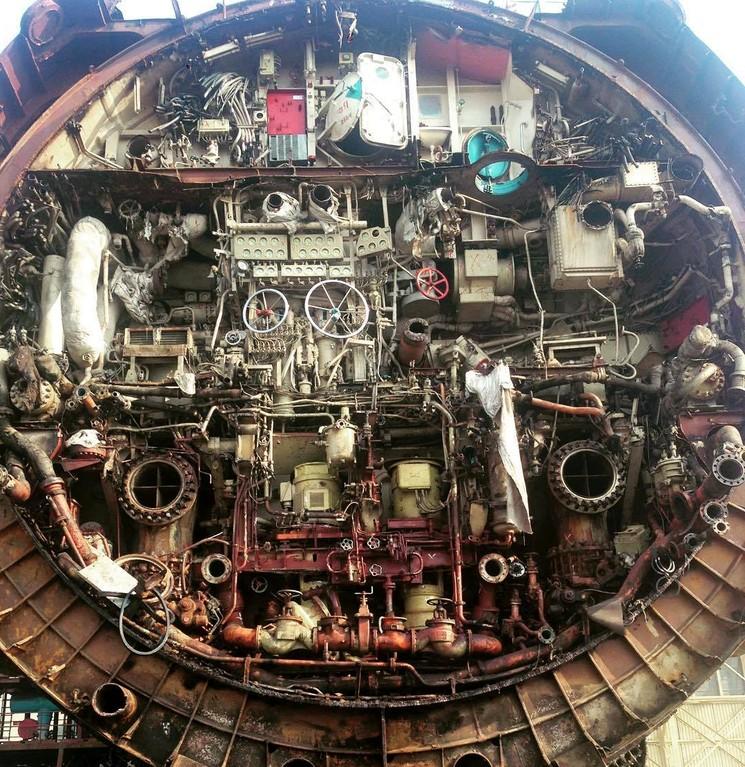 Советская подводная лодка в разрезе