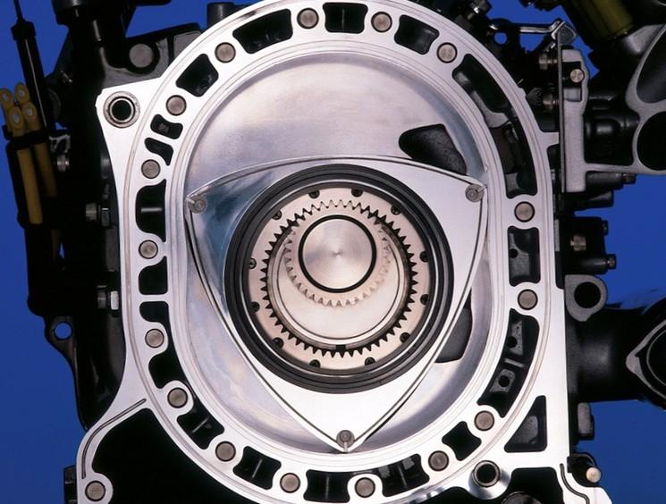 Роторно-поршневой двигатель в разрезе