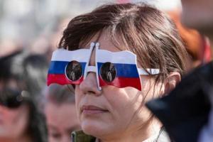 """Россияне не любят Украину и считают """"друзьями"""" Беларусь и Китай - опрос"""