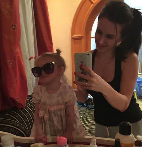 Маргарита Агибалова с дочкой