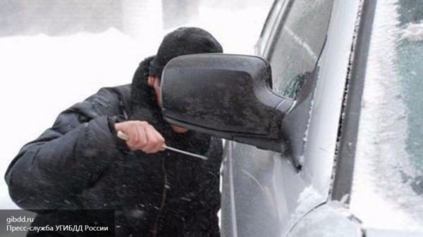 Разбойное нападение на женщину-водителя совершено в центре Москвы