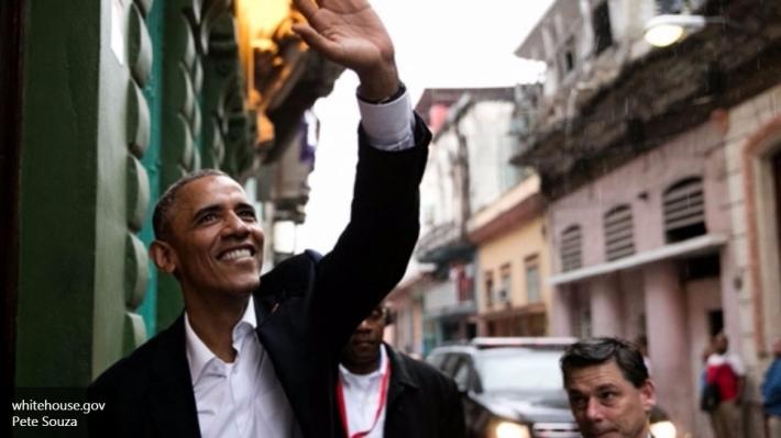 Обама наполовину разделил мнение американцев о себе