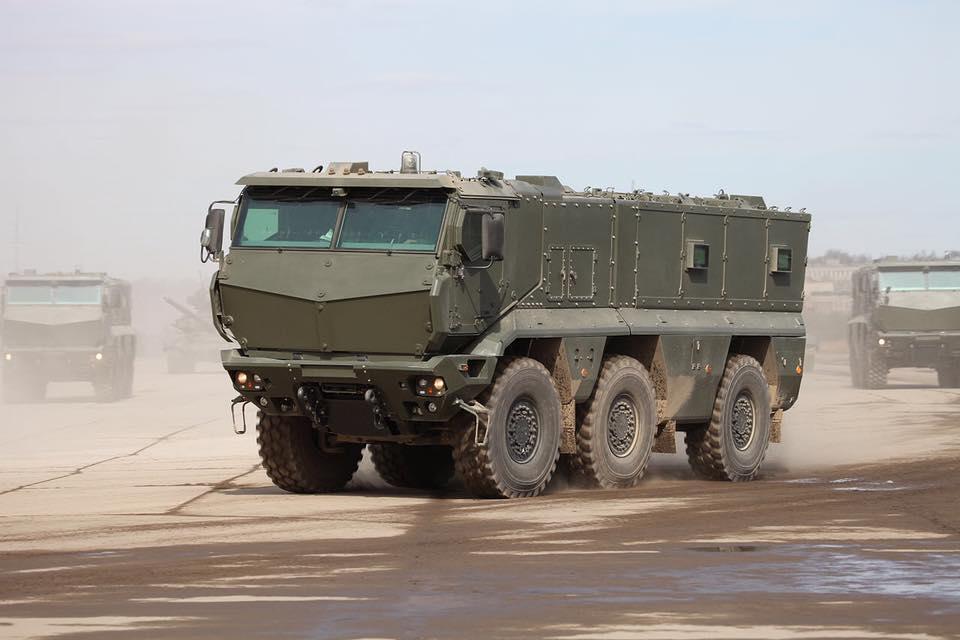 В российский город Набережные Челны пригнали на ремонт разбитую бронетехнику с Донбасса