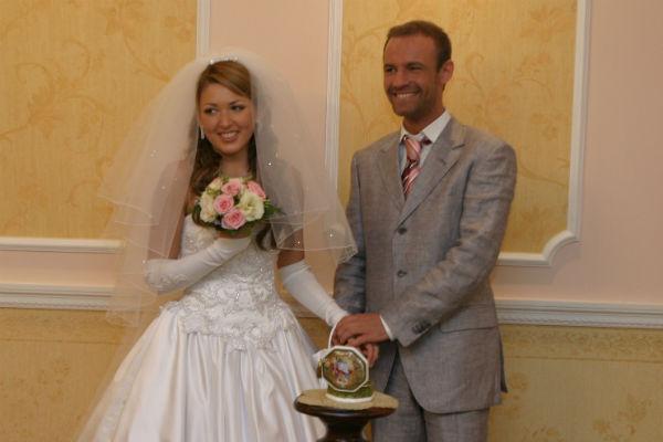 Ирина вышла замуж за солиста группы Plazma Романа Черницына в 2004 году, а через четыре года развелась. У пары растет сын Артем