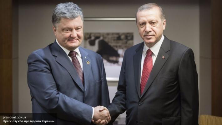 Порошенко рассказал об обещании Эрдогана не признавать Крым российским
