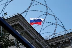 Россия_-_страна_ограждений,_заборов,_шлагбаумов_и_рамок