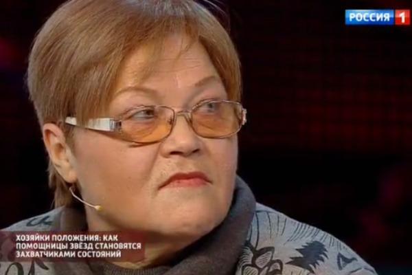Татьяна Свинкова живет на даче, которая осталась после смерти Зыкиной