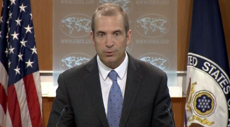 Власти США попросили подать в отставку всех чиновников Госдепа времен Обамы