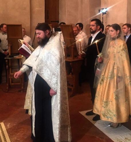 Сергей Макаров и Алена Ахмадуллина в Храме Святого Антипы