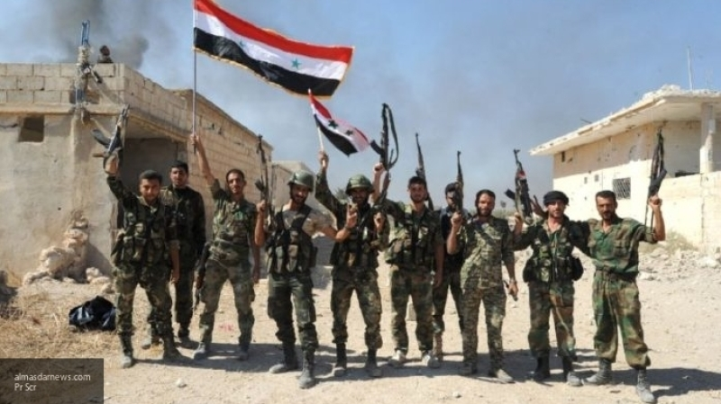 Подразделения САА контратакуют позиции боевиков на севере Хамы