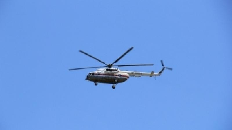Спасатели проверяют информацию о крушении вертолета под Москвой
