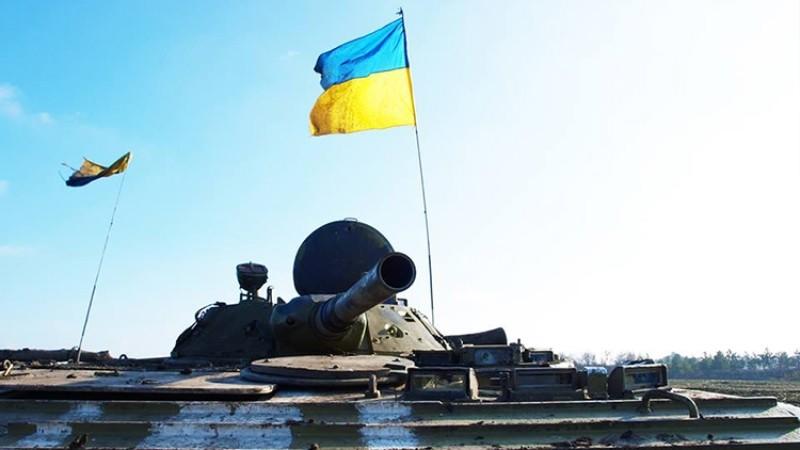 Украинская блогерша призвала давить танками и сжигать в камерах этнических русских