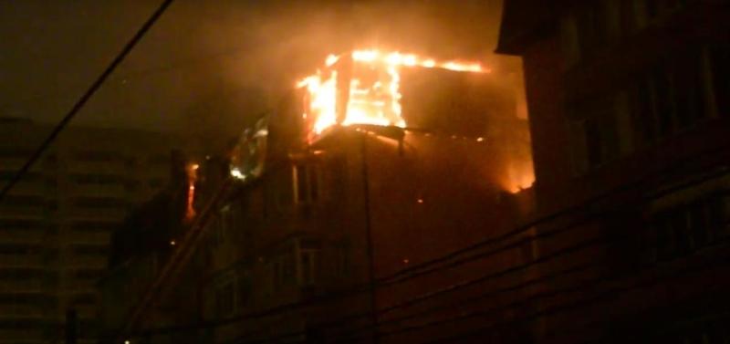 МЧС: пожар в многоэтажном доме в Краснодаре локализован