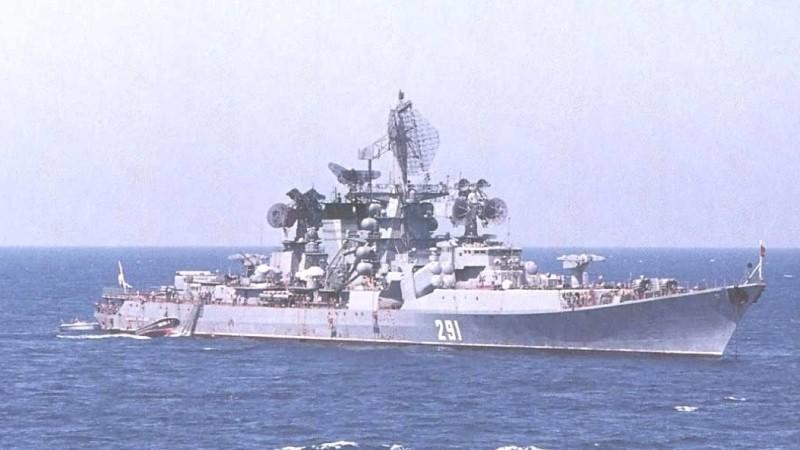 Корабли НАТО вплотную подошли к российским судам в Сирии