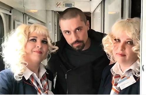 Ролик «Трио «Бзысходность» с Биланом и блондинками из Шимановска Амурской области посмотрели почти 400 тысяч человек