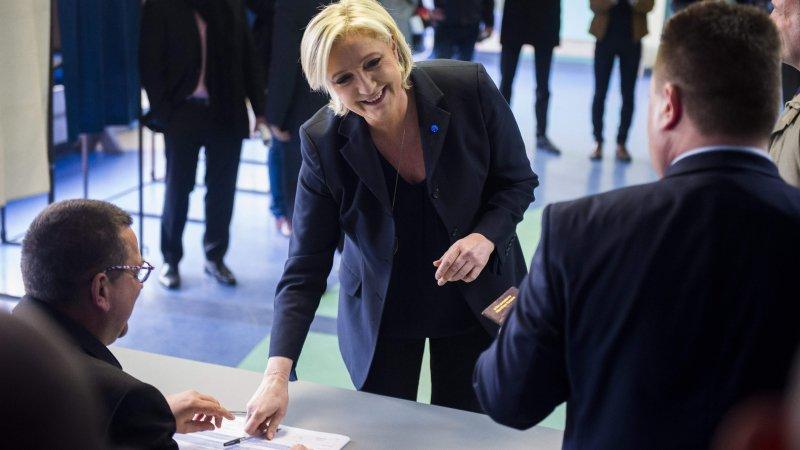 Ле Пен покинула пост лидера «Национального фронта» на время выборов