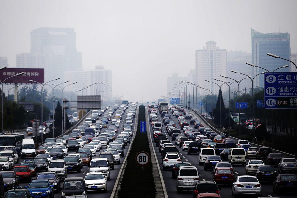 Власти обеспокоены растущим загрязнением воздуха в городах, изменениями климата и зависимостью страны от импорта нефти