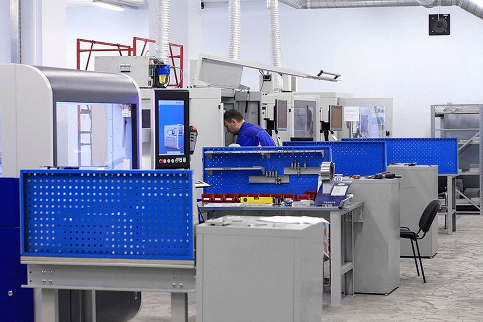 «Атри» - частное конструкторское бюро, которое занимается проектированием и производством сложной техники, включая радиоэлектронную аппаратуру, говорится на сайте компании