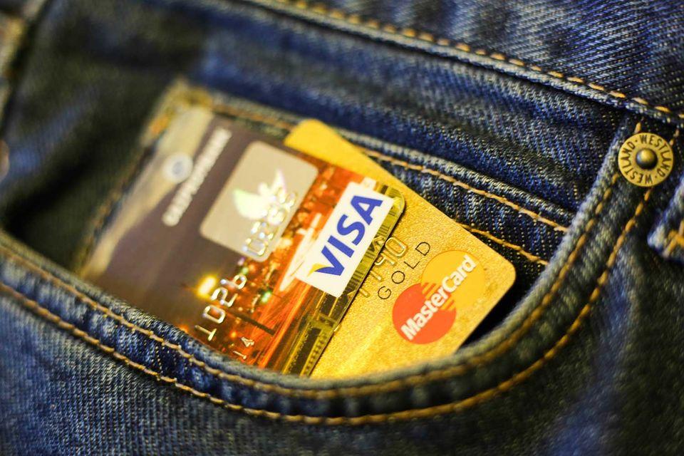 Большинство случаев кражи денег с карты происходит из-за легкомысленности людей