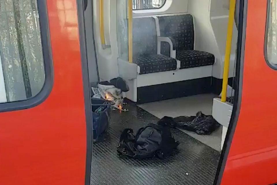 На месте взрыва в лондонском метро нашли вторую бомбу