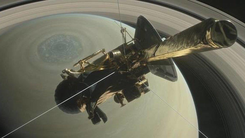 NASA простилось с «Кассини» аплодисментами и слезами