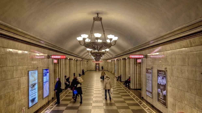 Станцию метро «Владимирская» в Петербурге закрыли на вход