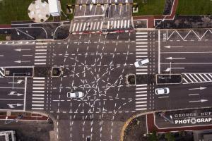 «Перекресток для инопланетян»: в Румынии появилась дорога, способная свести водителей с ума