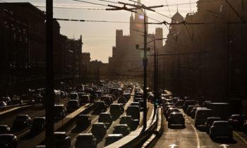 Куда катится Москва: 10 фактов об автомобильном движении столицы