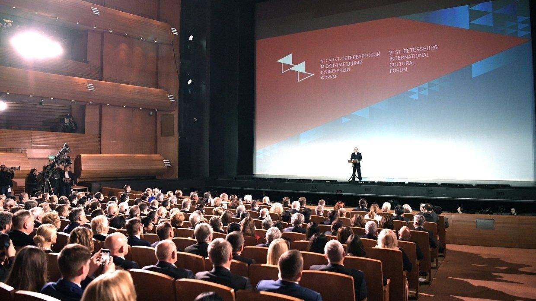 Путин уверен, что Театральную олимпиаду в Петербурге ожидает успех