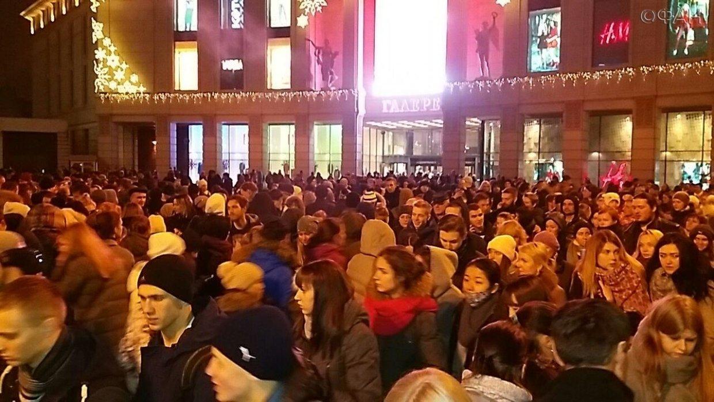 ФАН публикует видео эвакуации ТЦ «Галерея» в Петербурге