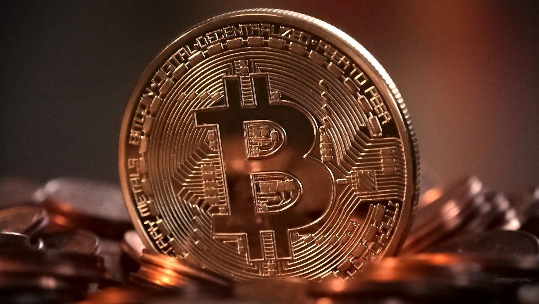 Стоимость биткоина превысила 19 тыс. долларов