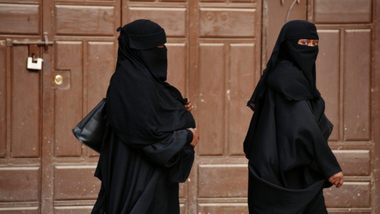 Женщинам в Саудовской Аравии разрешат водить мотоциклы и грузовики