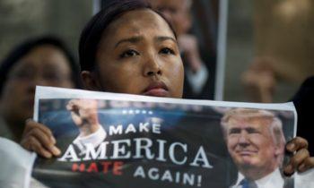 Опрос: мир не одобряет политику США