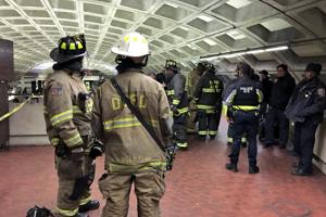 В Вашингтоне сошел с рельсов поезд метро: проводилась эвакуация пассажиров