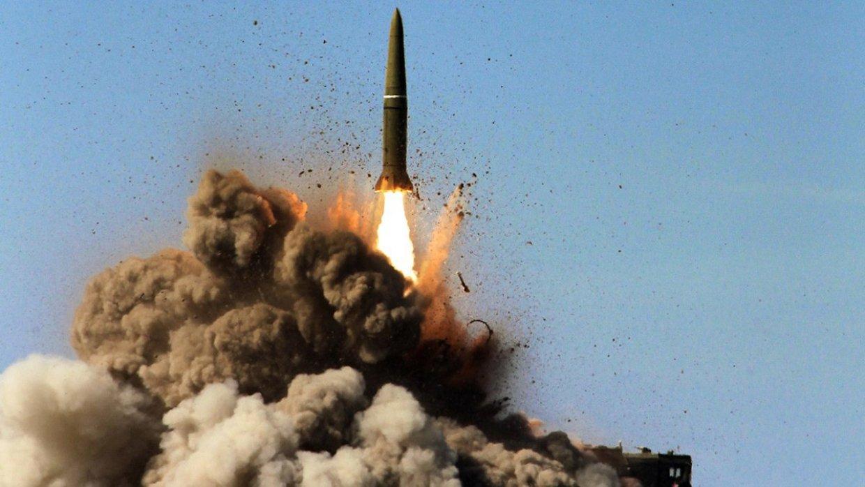 Немецкий политолог напомнил НАТО, что война с Россией является «самоубийством»