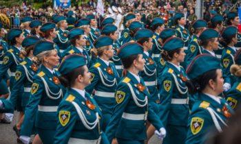 Шойгу допустит курсантов МЧС к участию в параде Победы на Красной площади