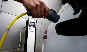Пища для размышлений: в России формируется рынок электромобилей