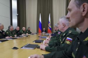 Путин пообещал продолжать военную модернизацию