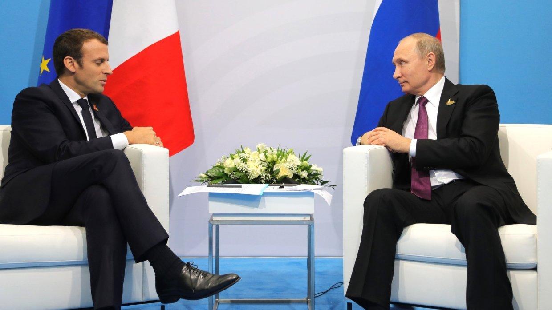 Макрон предложил Путину выработать новые подходы в международных отношениях