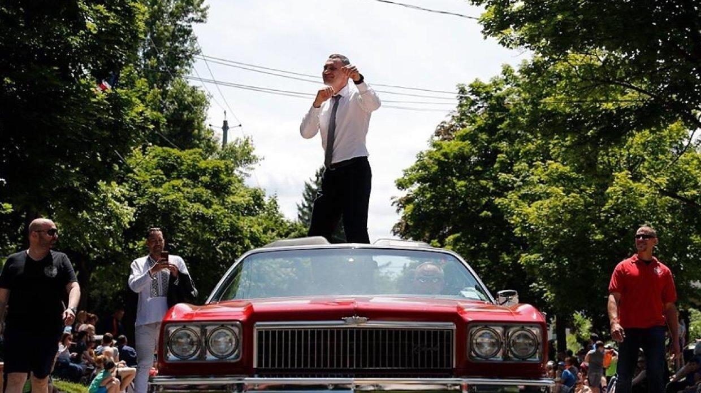Американцы выстроились в очередь, чтобы взять автограф у Кличко