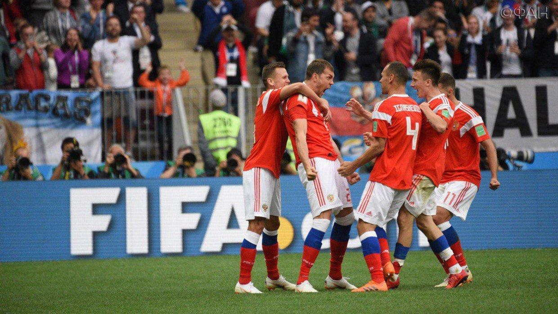 Посол ФИФА о стартовом матче ЧМ-2018: Российские футболисты подарили болельщикам море позитива