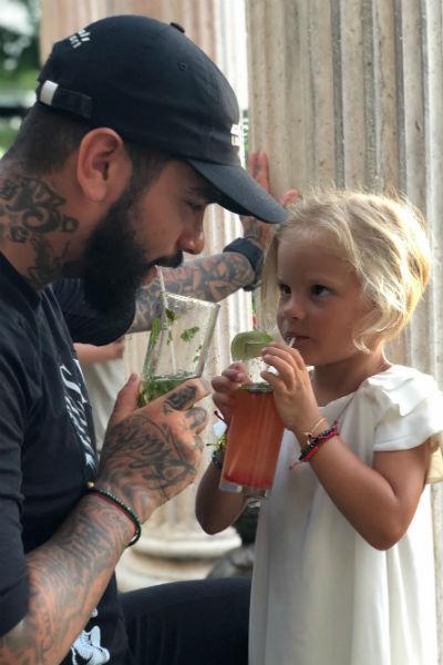 Тимати ни в чем не отказывает дочке