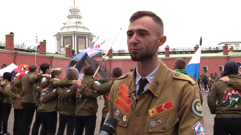 Мы не ищем стройку – стройка ищет нас: в Петербурге начали работу студенческие стройотряды. ФАН-ТВ