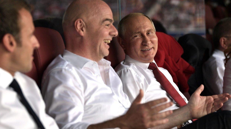 Путин поздравил лидеров Франции и Хорватии с прекрасным финалом чемпионата мира в России